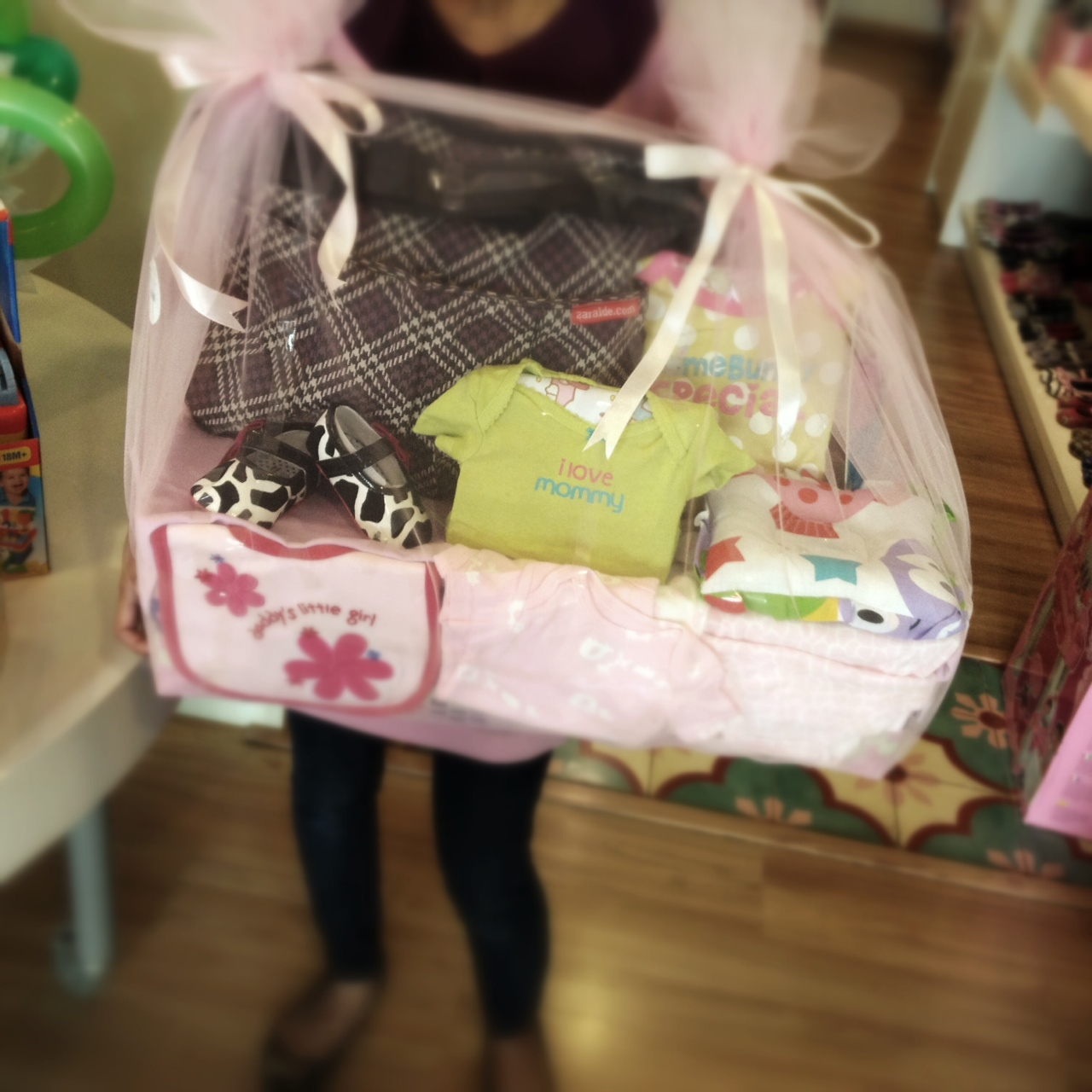 personalized baby hamper